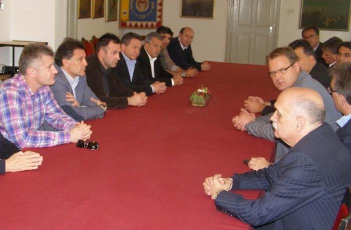 sastanak o budućnosti nogometa u Gradskoj vijećnici image NOGOMET VIJEč†NICA