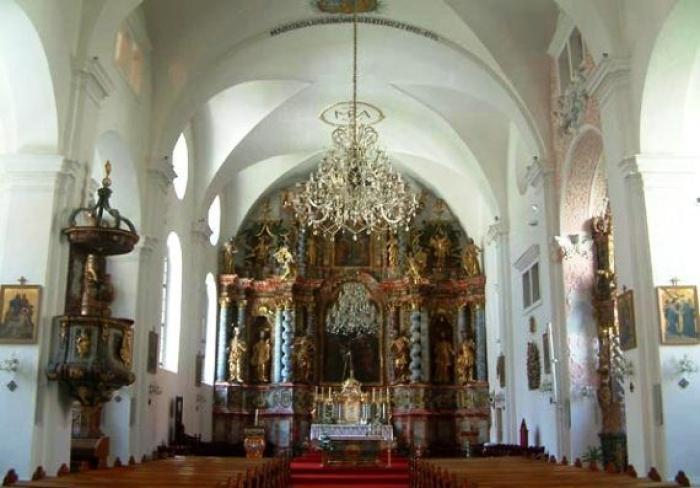 katedrala image Isusovacka_Crkva-Varazdinska_Katedrala-Crkva_Uznesenja_Blazene_Djevice_Marije