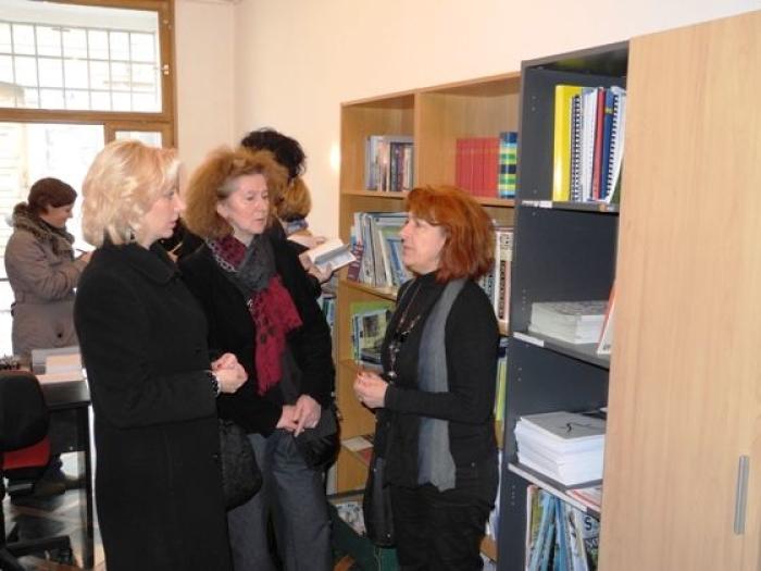 volonterska image volonterska knjižnica unutra