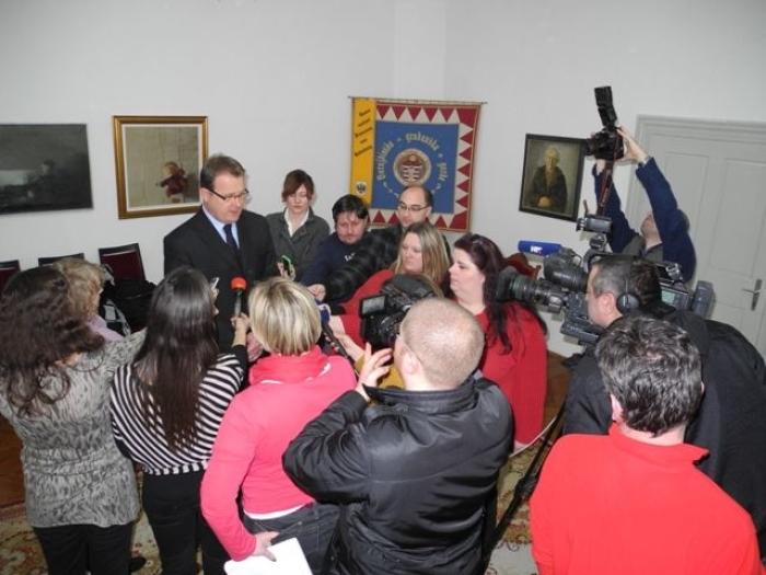 oran habuš i novinari