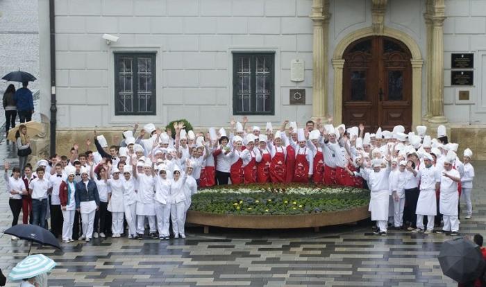 okusi hrvatske svi kuhari