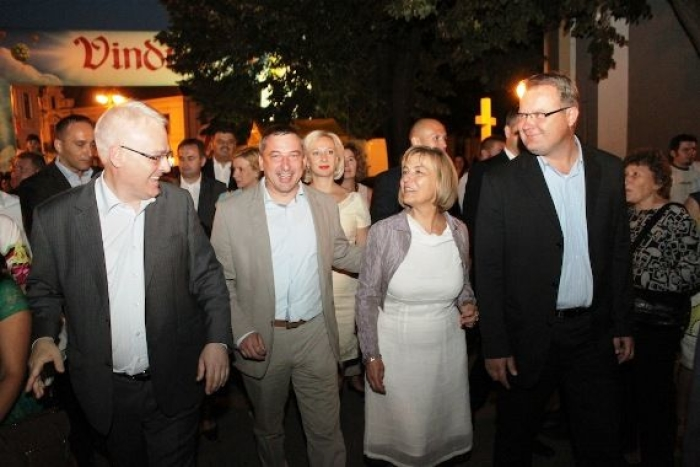 Josipović vesela