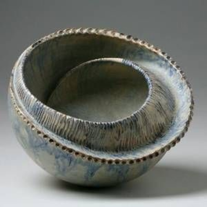 RTEmagicC_Dora_Pezi__Mijatovi___Modri_pu___Sea_Slug___Red_Clay_and_Blue_Glaze.jpg[1]