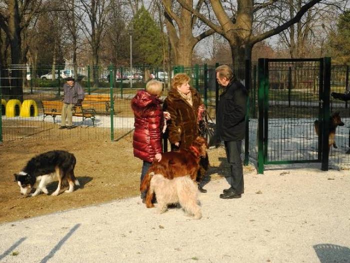 otvorenje parka za pse
