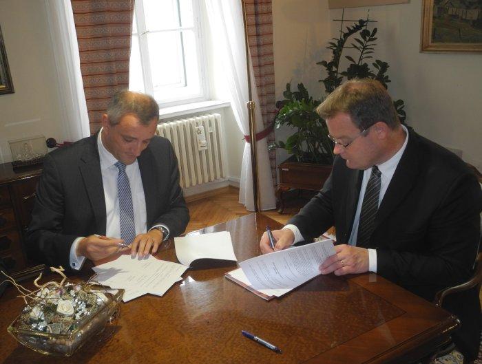 potpisivanje ugovora sa tvrtkom Europlakat
