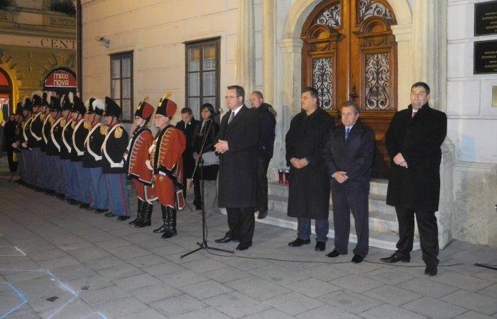 paljenje svijeća uoči Dana sjećanja na žrtvu Vukovara
