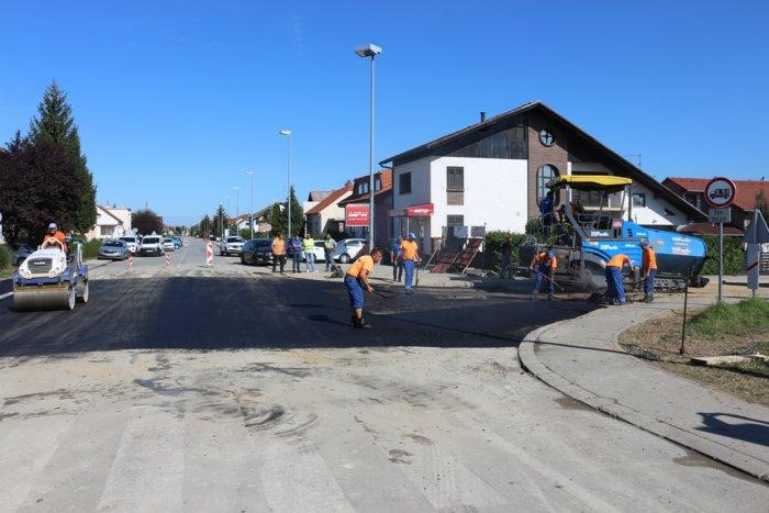 asfaltirana Zagrebačka ulica
